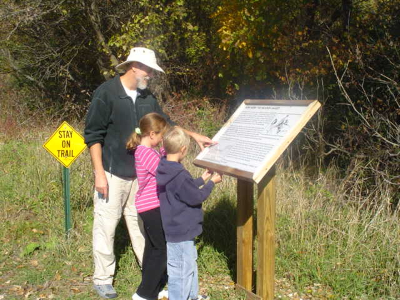 Nitschke Mounds Park - Family view sign